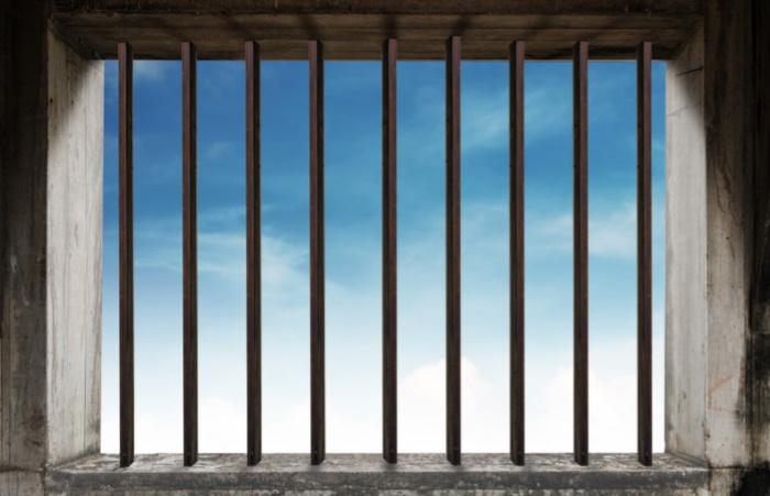 Тюрьма и общество