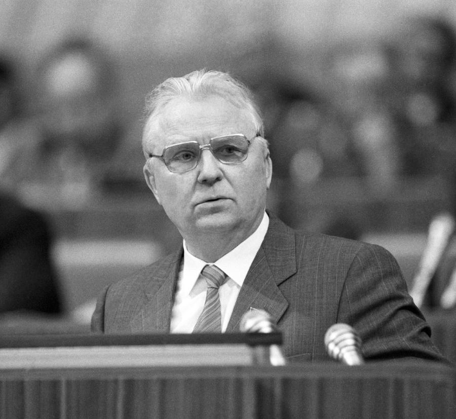 Век Егора Лигачева